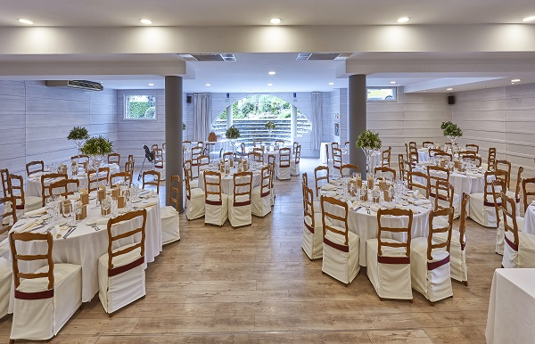 YOUR DESTINATION WEDDING IN A CHARMING HOTEL IN CAMPRODON VALLEY-7